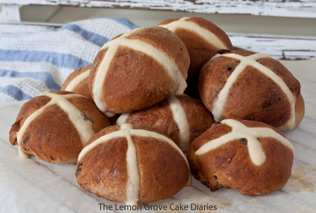 Nutella Hot Cross Buns
